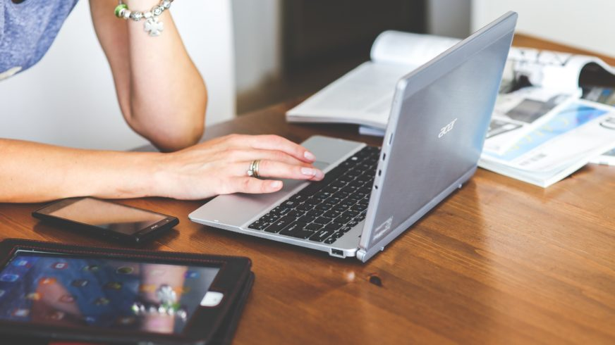 Technological progress enables extensive remote work